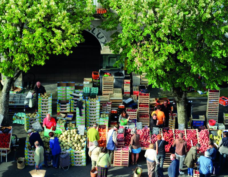 Market day in Revel.