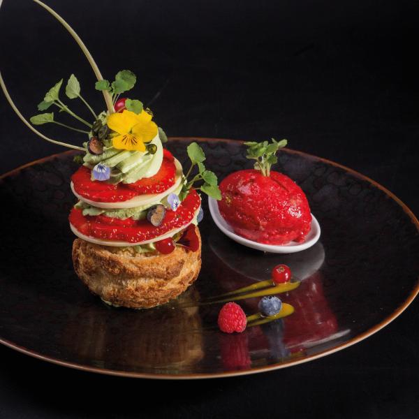 The Michelin-starred Moulin des Quatre Saisons in La Flèche draws gourmets from miles around.
