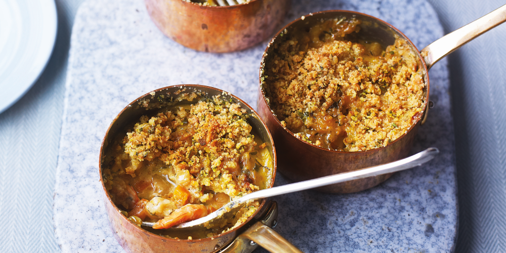 Scallop and courgette crumble pie