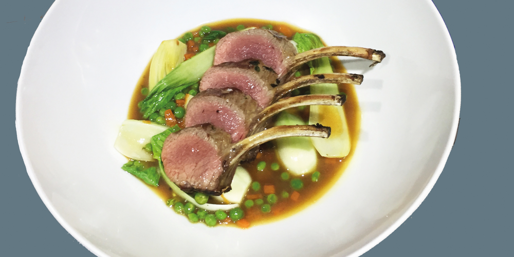 Lamb cutlets with peas, bacon and carrots