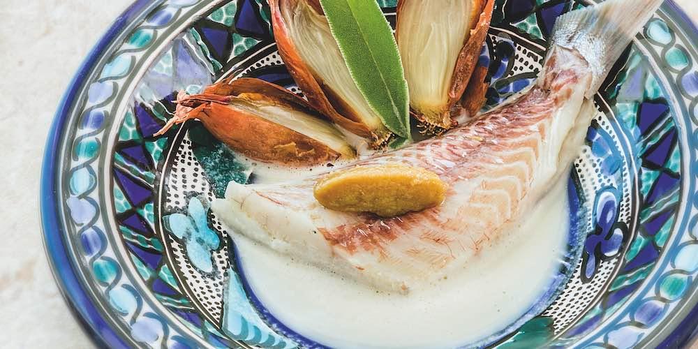 Sea bream in a garlic bouillon