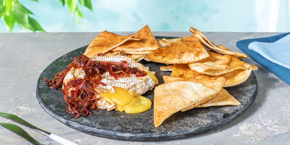 Baked camembert with balsamic onion
