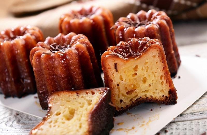 Canelé cakes