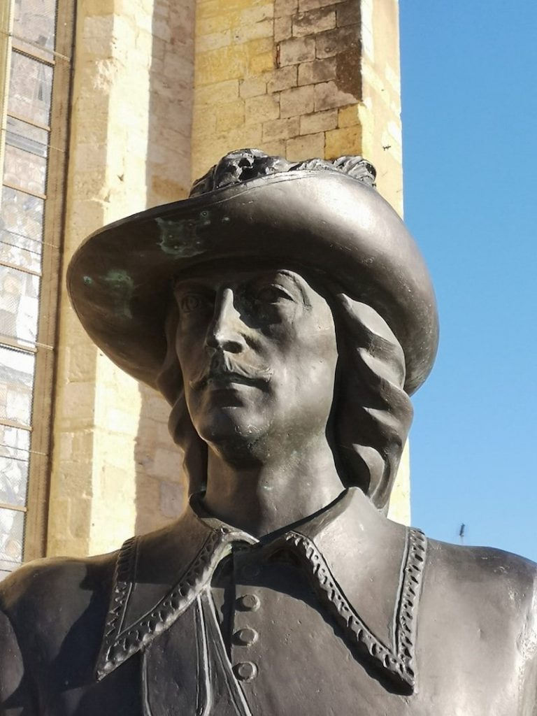The statue of D'Artagnan in Condom