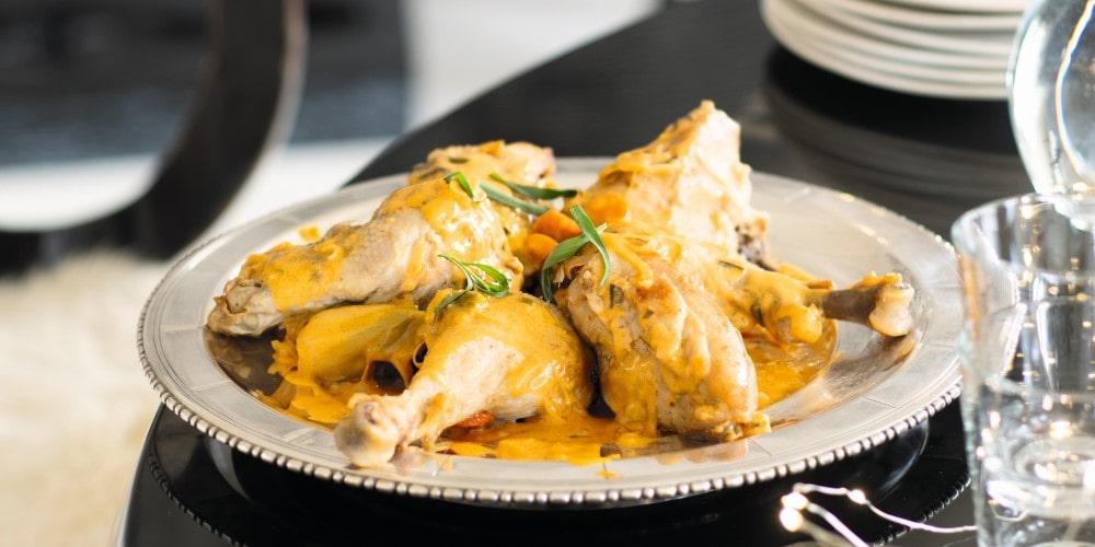 Chicken fricassee with garlic and vinegar