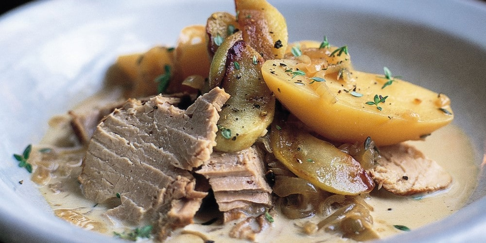Pork cider with potatoes and apples